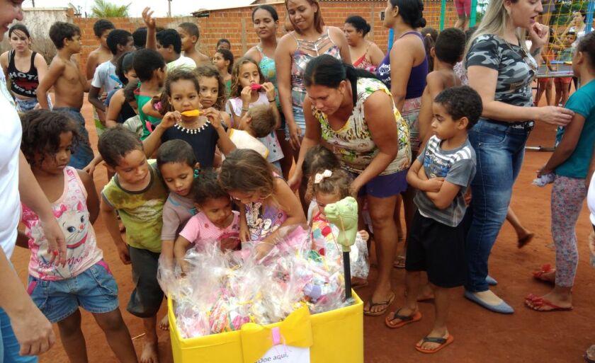O grupo também realiza doação de cestas básicas e marmitas – Lucas dos Anjos / JP NEWS
