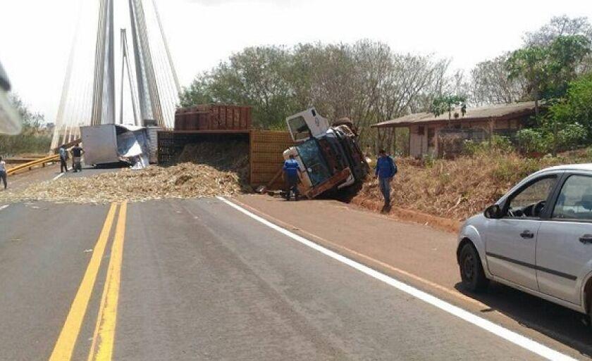 Defeito na estrutura causa acidente na ponte Alencastro