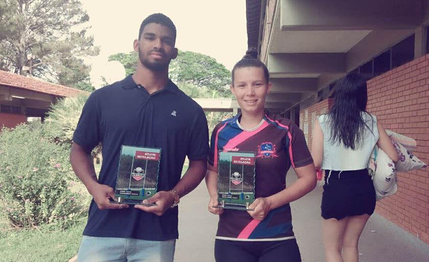 Ythila Katareniy e Leonardo Santana ostentam suas premiações mineiras
