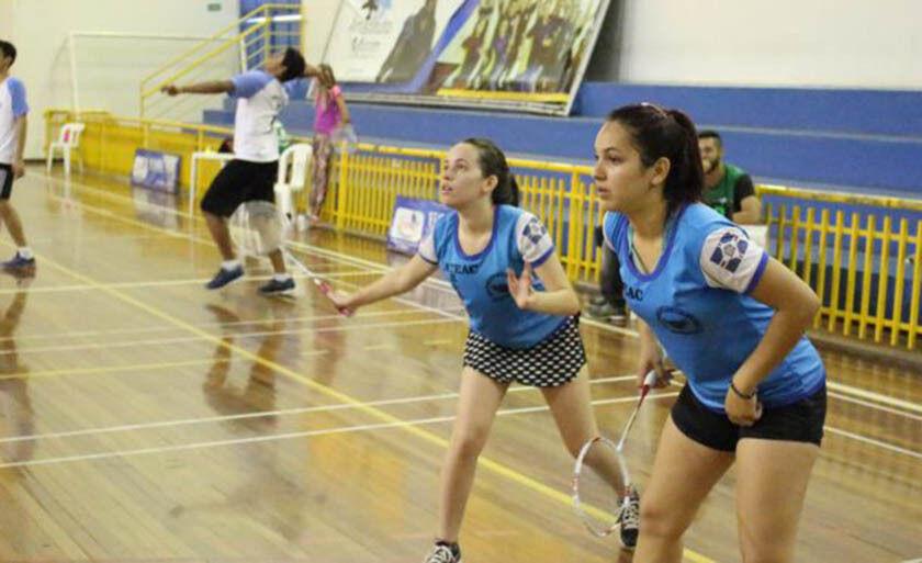 A dupla Marialine Freitas e Fernanda Nunes em ação, no fim de semana