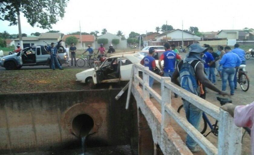 Apesar de ter provocado estragos nos veículos, os condutores nada sofreram.