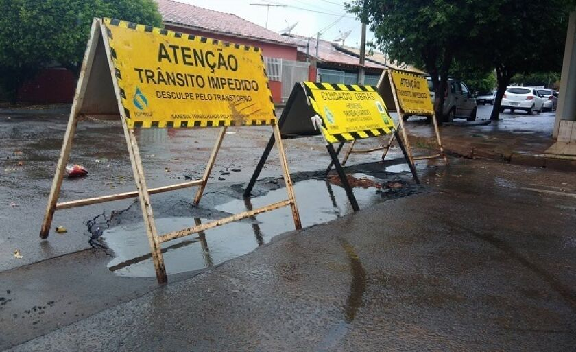 Placas de advertência foram colocadas no local
