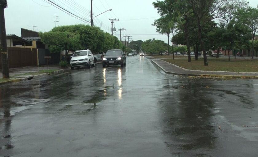 Chuva na madrugada ameniza o calorão em Três Lagoas