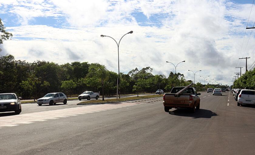Registro da Avenida Capitão Olyntho Mancini em horário de rush na manhã desta quarta-feira (4)