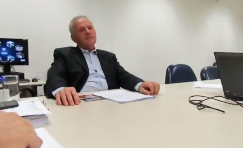 Ivanildo Miranda presta depoimento à Polícia Federal, em junho