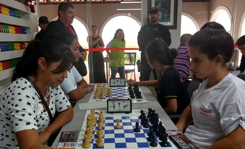 Iniciativa garantiu a participação de três reeducandas do regime fechado no campeonato estadual feminino, realizado na Capital pela Federação Sul-mato-grossense de Xadrez