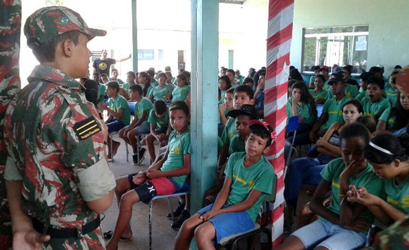 Em mais uma semana, quase 1,5 mil alunos de escolas públicas de Corumbá foram atendidas