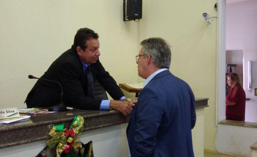 O prefeito Ronaldo Miziara acompanhou a sessão na Câmara Municipal