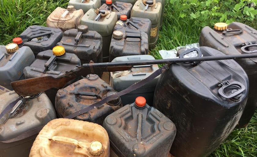 Os suspeitos furtaram, principalmente, óleo diesel de caminhões