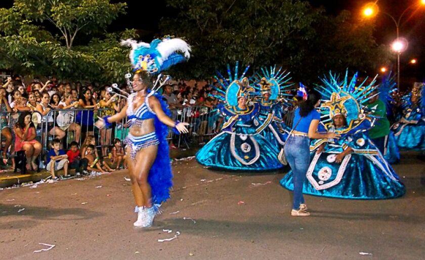 Carnaval de rua será realizado na avenida Rosário Congro e bailes na praça central da cidade