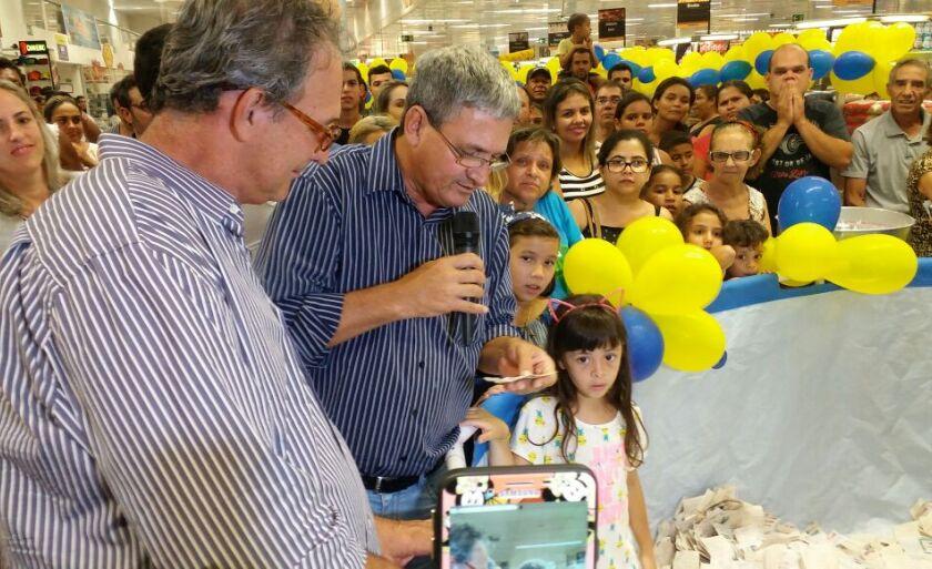 Empresário Joaquim Barbosa comandou o sorteio de prêmios
