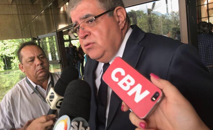 Marun foi ao enterro acompanhado do ex-governador André Pucinelli