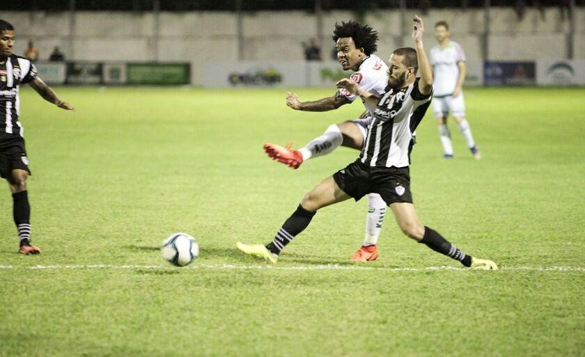 Na primeira partida, time de Mato Grosso venceu por 2 a 0