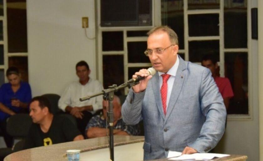 O vereador ainda destacou que pode faltar conhecimento por parte do prefeito a respeito do assunto