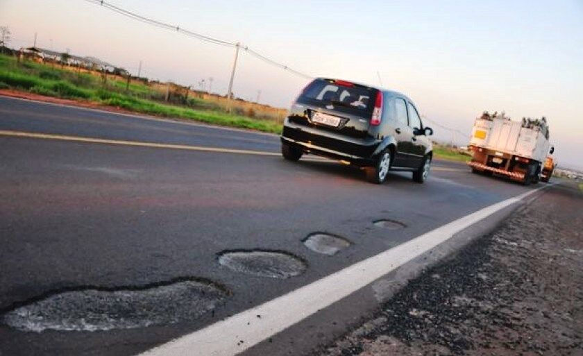 Projeto consiste na restauração completa da rodovia, com implantação de 32 quilômetros de terceira faixa