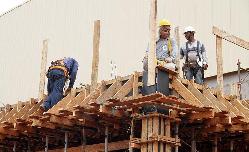Construção registrou saldo de 152 novos postos de trabalho em janeiro