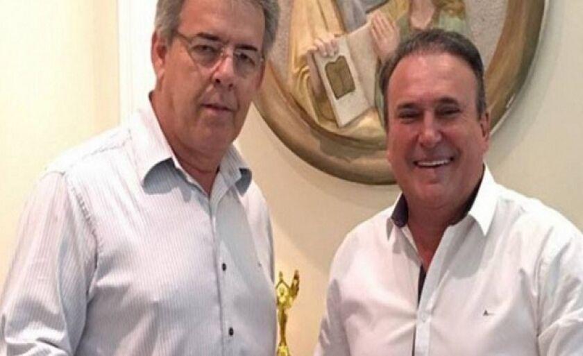 Prefeito Ronaldo Miziara e ex-prefeito Diogo Tita