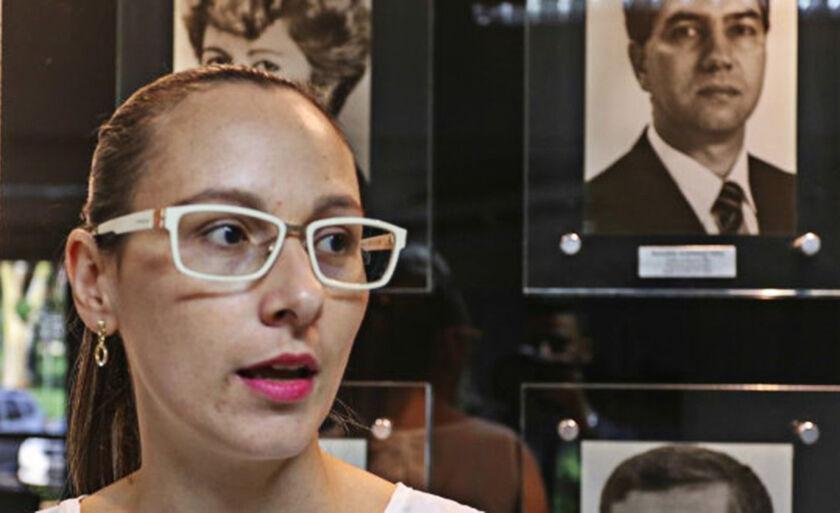 A servidora Raquel Aparecida Fontana aponta os benefícios que o eDOC irá proporcionar ao trabalho desempenhado por ela na prefeitura
