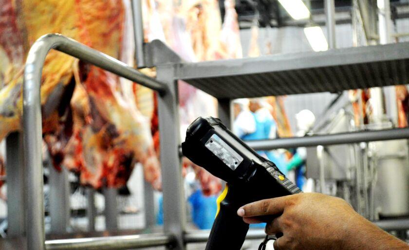 O credenciamento da unidade da Marfrig em Paranaíba para abate de precoces foi realizado na última semana