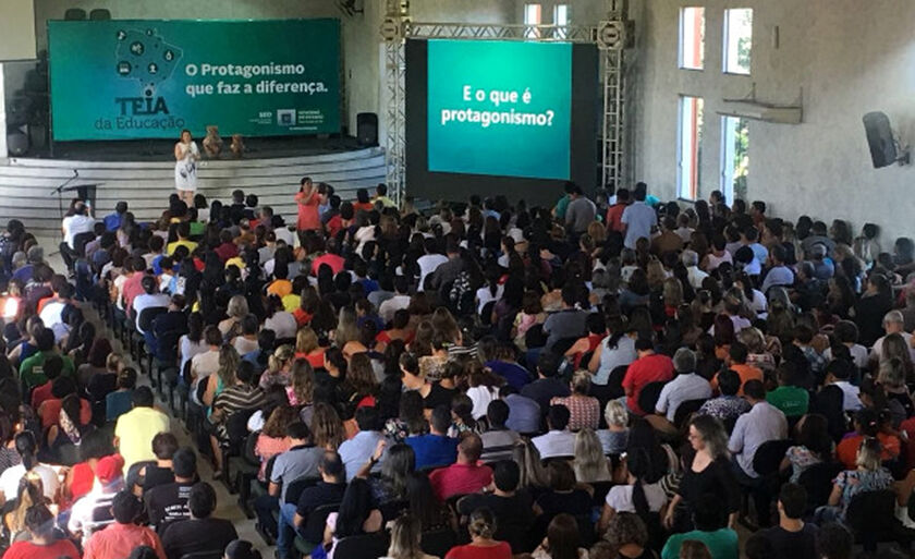 Em Aquidauana, foram dezenas de profissionais da área educacional que participaram do evento
