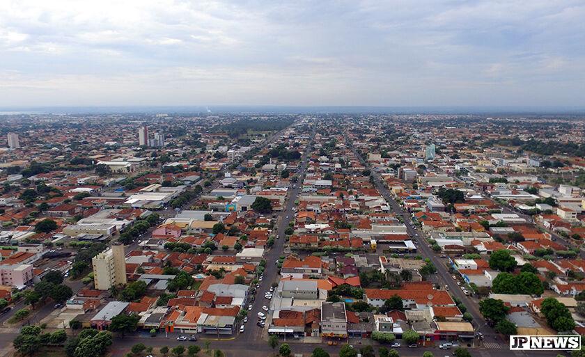 Três Lagoas vista por cima: imagem panorâmica exibe ruas e avenidas da cidade