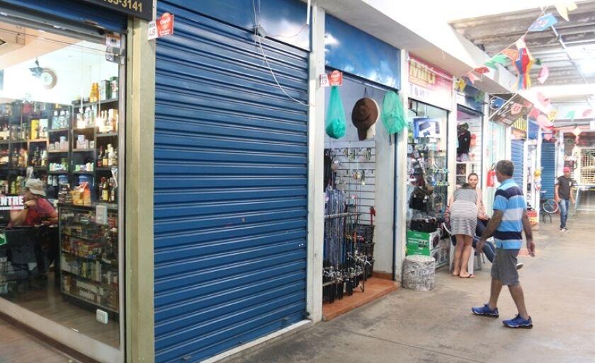 Shopping Popular de Três Lagoas tem 99 lojas, mas nem todas estão funcionando