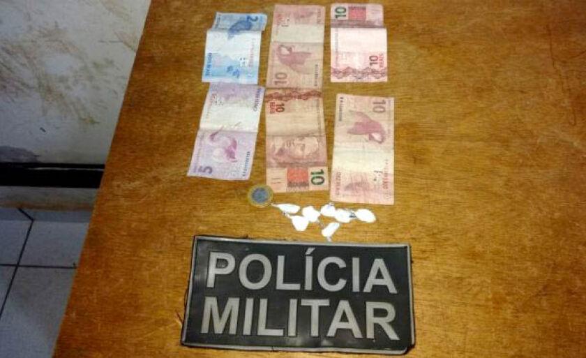 De acordo com a ocorrência policial, a cocaína estava pronta para ser vendida