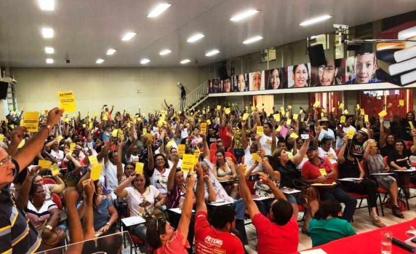 dDecisão foi tomada em assembleia realizada na sexta-feira pela Federação dos Trabalhadores em Educação