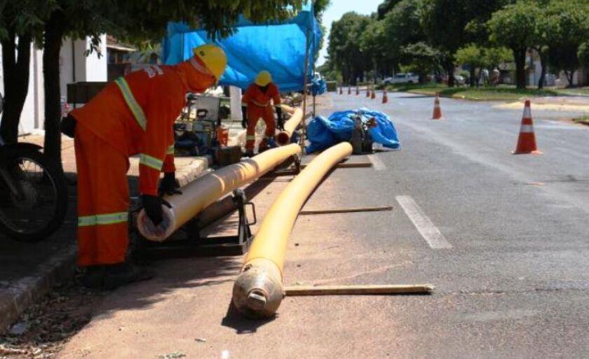 Desde fevereiro deste ano, a empresa iniciou, em Três Lagoas, a ampliação da rede de gás natural para atender a área comercial