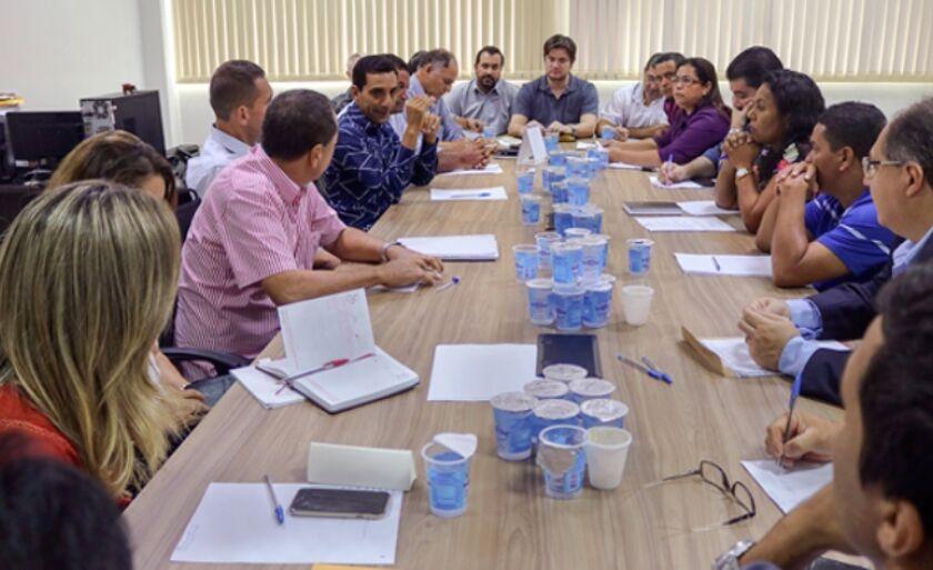 Vereadores e secretários municipais de Três Lagoas se reuniram na manhã desta segunda-feira