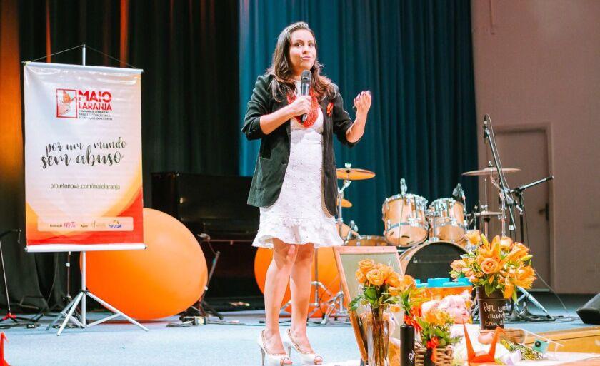 A Psicanalista Viviane Vaz, é a idealizadora do Projeto Nova, que existe desde 2011