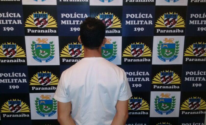 A prisão ocorreu na rua Cassilândia no bairro Santo Antônio