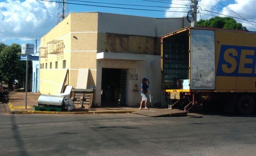 O prédio já está sendo esvaziado para ser entregue ao proprietário