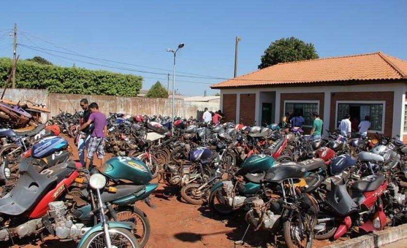 Atualmente o pátio do Detran em Paranaíba está lotado