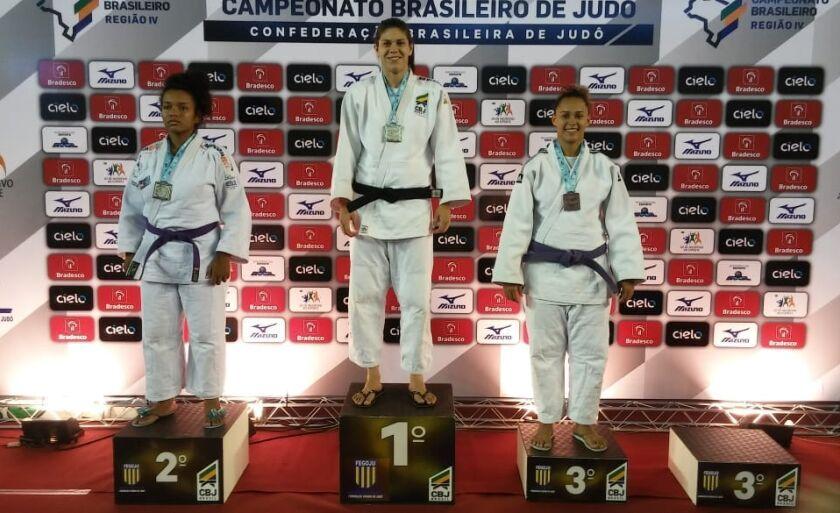 Camila se manteve no topo do ranking ao garantir a medalha de prata na Taça Brasil Sub 21 deste ano