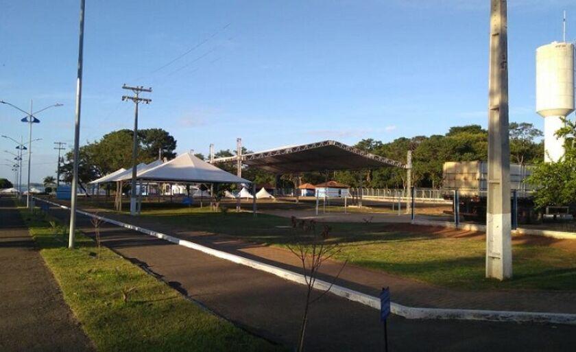 Tendas e parte elétrica já foram instaladas