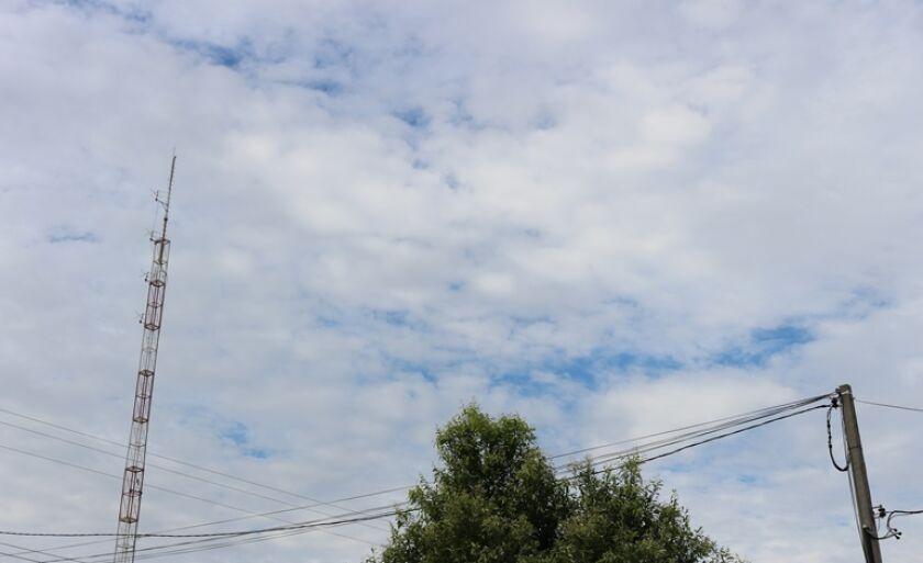 Dia será com sol entre nuvens e com possibilidade de chuva no período da tarde