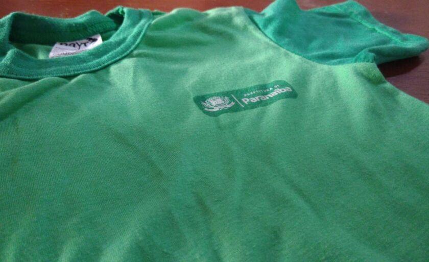 A cotação encontrada em Paranaíba era de R$ 15 por camiseta, valor que foi considerado alto pela administração