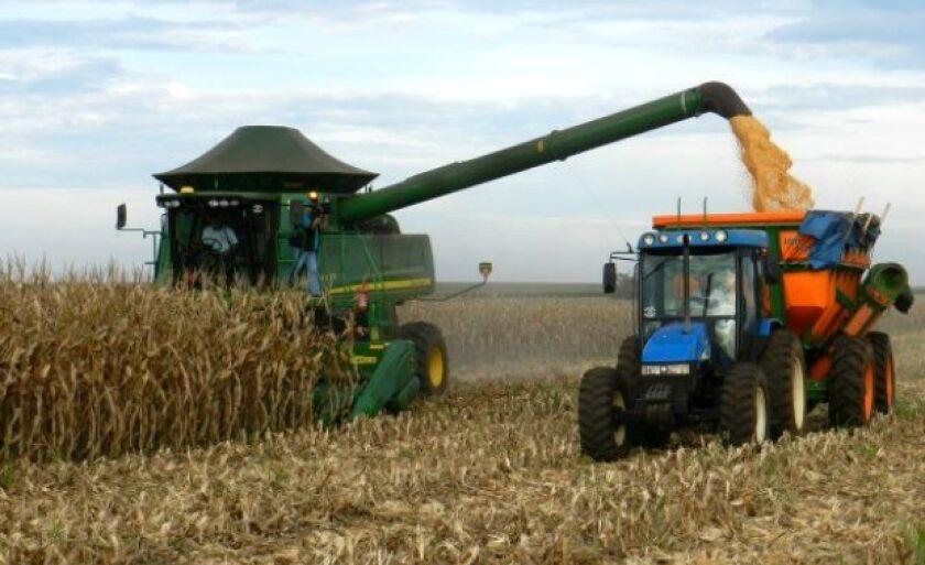 Escoamento de grãos deve sofrer com alta do transporte por falta de livre negociação