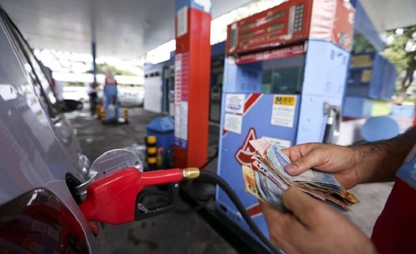 Gasolina e etanol mais caros. Diesel caiu R$ 0,33 por litro