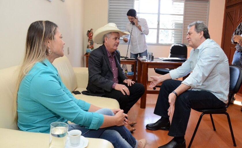 Em Brasília, Guerreiro conversa com o senador Waldemir Moka