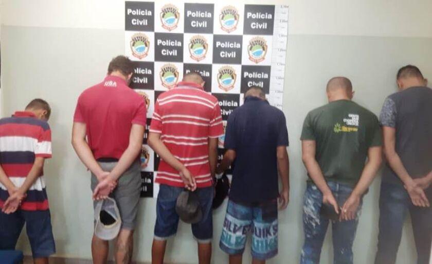 Três adolescentes foram apreendidos e três comparsas presos.