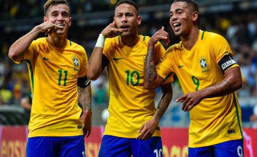 Coutinho, Neymar e Gabriel Jesus, esperança de que o ataque da Seleção Brasileira funcione no jogo decisivo desta quarta-feira diante da Sérvia