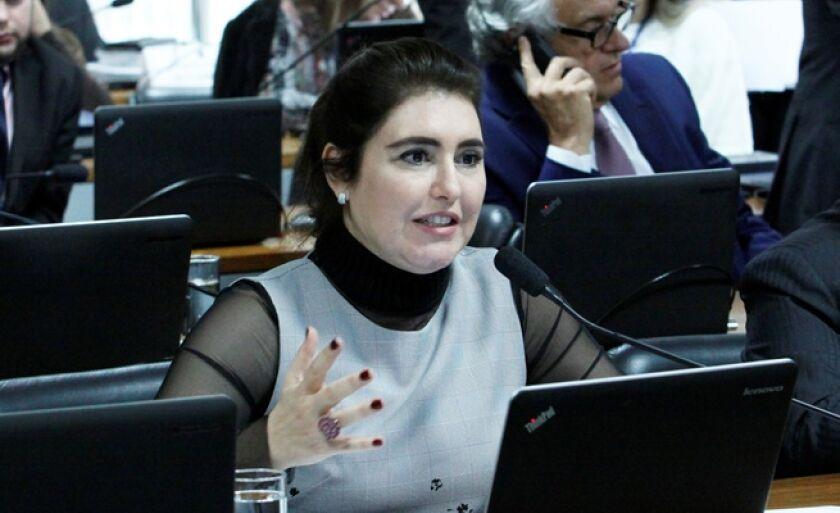Ao se dirigir aos caminhoneiros, Simone Tebet disse que a ditadura não é solução