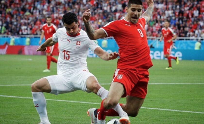Sérvia e Suíça: Xherdan Shaqiri, da Suíça, marca o segundo gol da equipe