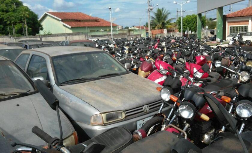 O pátio do Detran em Paranaíba está lotado de veículos
