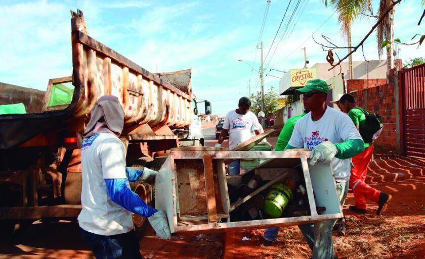 Ação de limpeza visa o recolhimento de materiais inservíveis