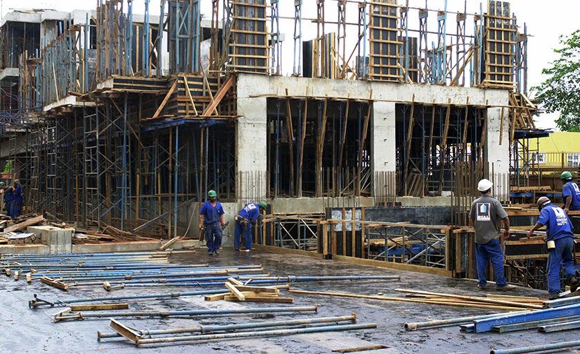 Segmentos de veículos e de materiais de construção recuou 4,9%