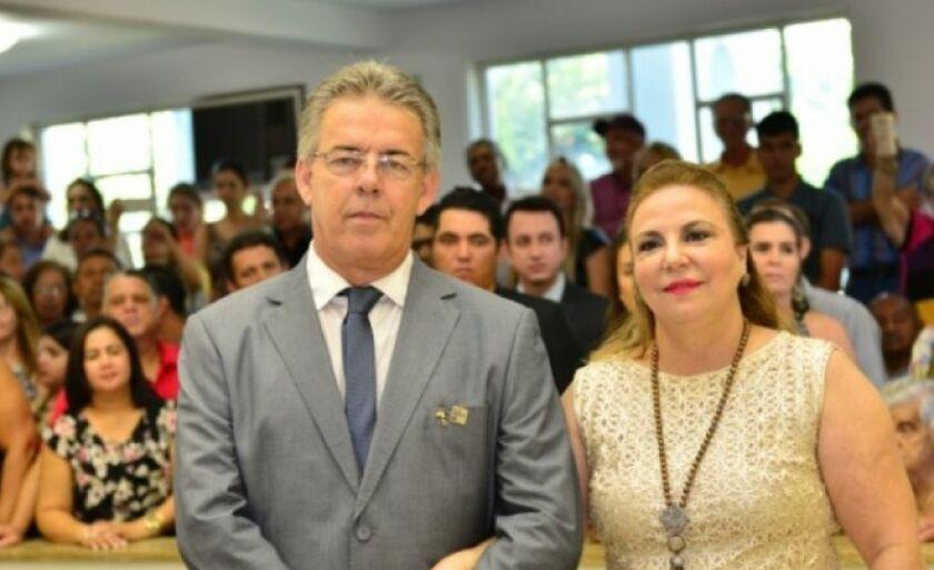 A primeira-dama de Paranaíba, Solange Miziara, assumiu as secretarias de Educação e Cultura do município