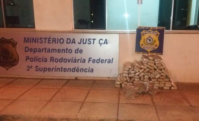 O homem contou a Polícia que receberia R$7 mil para transporta a droga